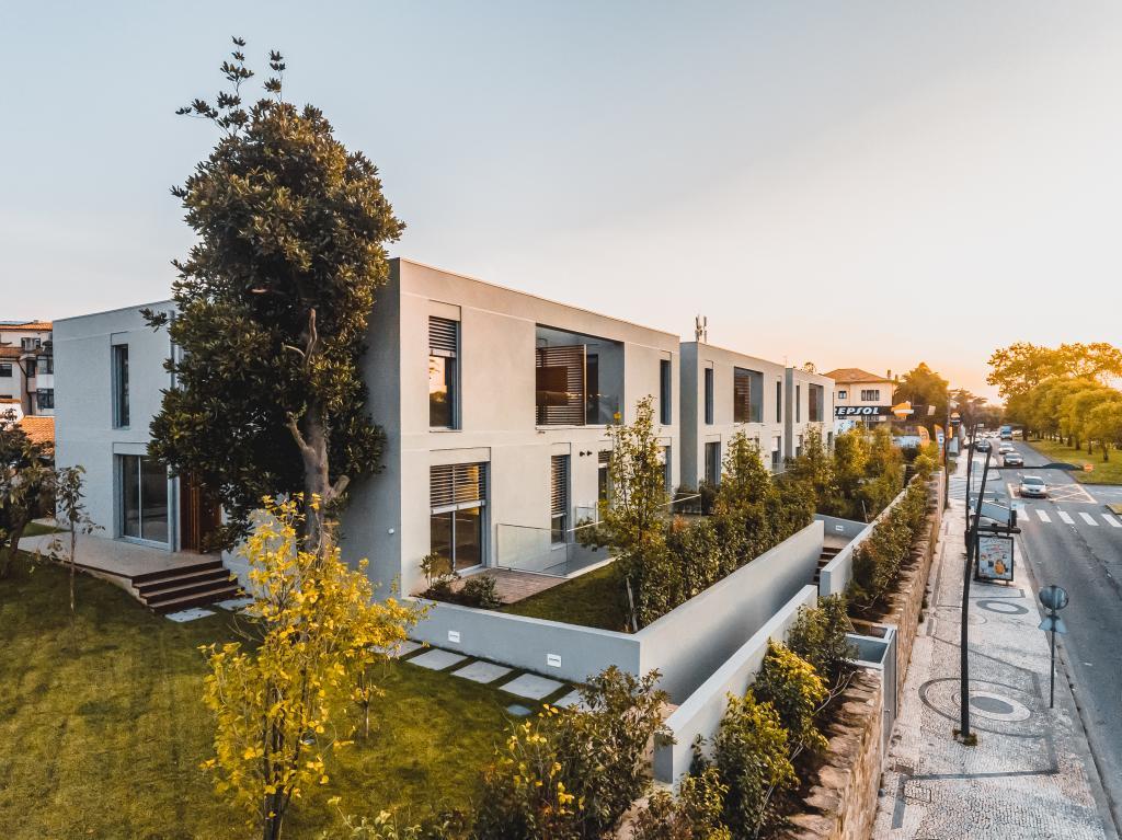 Construção das moradias de luxo na Avenida Marechal Gomes da Costa